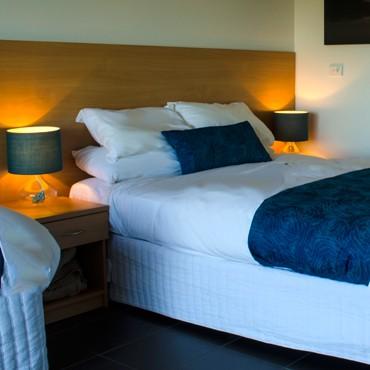 Deluxe-Bed-HP.jpg